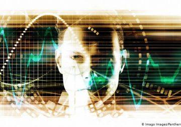 От сбора данных — к электронному контролю за населением