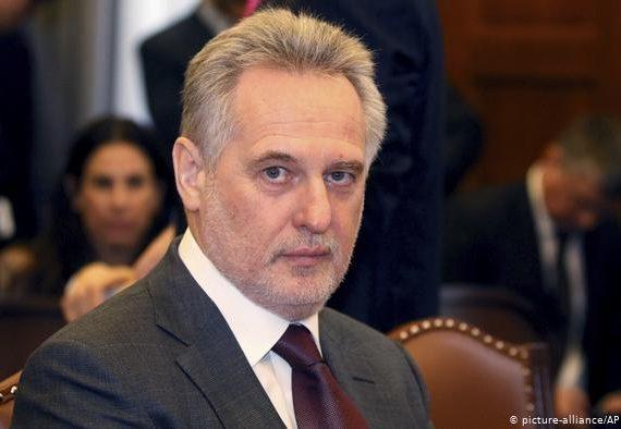Киев ввёл санкции против Фирташа, Чемезова и создателей вируса Petya