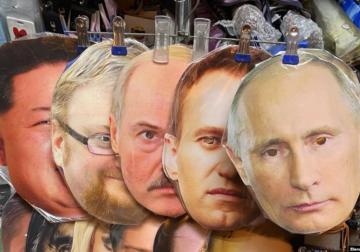 Путин грозится уйти. Пока что на карантин